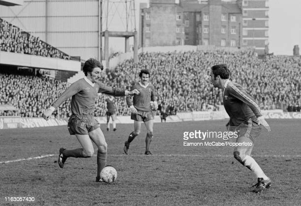 Steve Heighway of Liverpool attempts to dribble past Ron Harris of Chelsea during a Football League Division One match at Stamford Bridge on March 4,...