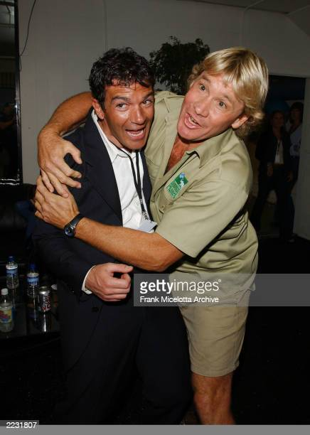 Steve Irwin and Antonio Banderas backstage at the 15th Annual Nickelodeon Kid's Choice Awards, at The Barker Hanger in Santa Monica, Ca., 4/20/02....