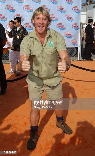 Steve Irwin during Nickelodeon's 15th Annual Kids Choice Awards - Arrivals at Barker Hanger in Santa Monica, California, United States.