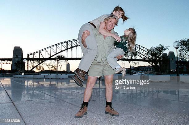 Steve Irwin with his wife Terri and daughter Bindi