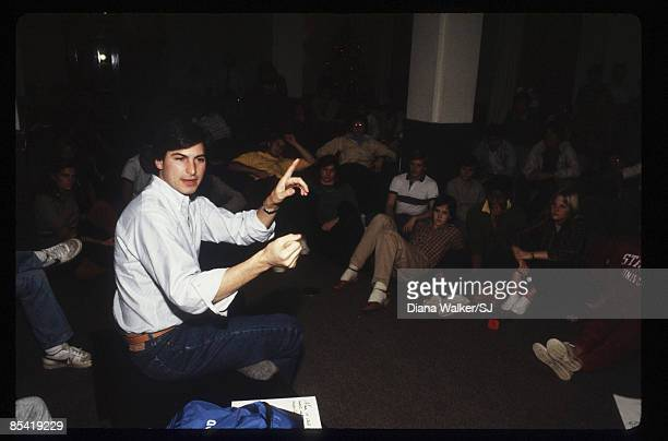 Steve Jobs lecturing to students at Stanford University on December 1 1982 IMAGE PREVIOUSLY A TIME LIFE IMAGE