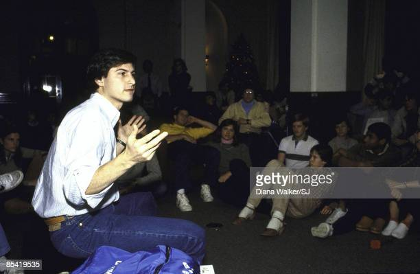 Steve Jobs lecturing to students at Stanford University on December 1, 1982. IMAGE PREVIOUSLY A TIME & LIFE IMAGE. HELD FOR TIME.
