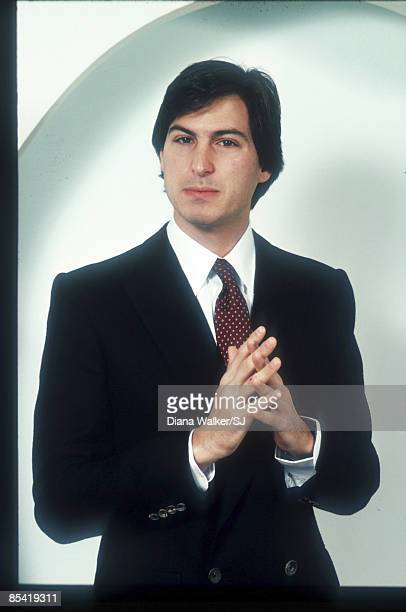 Steve Jobs poses at Apple Computer Co December 15 1982 in Cupertino CA IMAGE PREVIOUSLY A TIME LIFE IMAGE