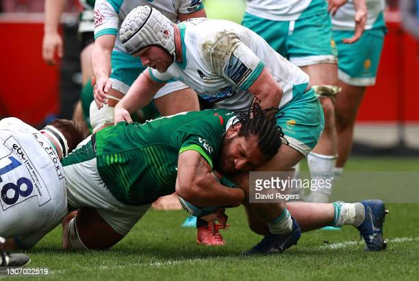 Steve Mafi of London Irish dives over for their second try during the Gallagher Premiership Rugby match between London Irish and Worcester Warriors...