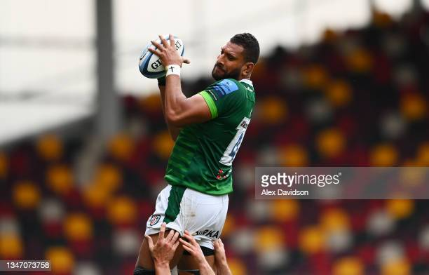 Steve Mafi of London Irish wins the ball in the lineout during the Gallagher Premiership Rugby match between London Irish and Gloucester Rugby at...