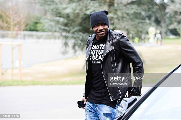 Steve Mandanda arrives at the French National Football Team training on the first day of their training ahead of the friendly match against...