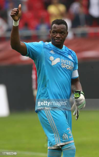 Steve Mandanda goalkeeper of OM thanks the supporters of Marseille after the French Ligue 1 match between Valenciennes FC and Olympique de Marseille...