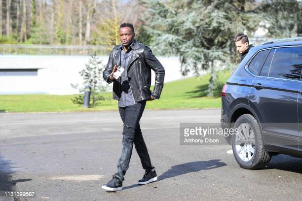 Steve Mandanda of France arrives at on March 18 2019 in ClairefontaineenYvelines France