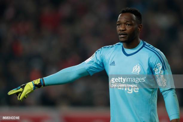 Steve Mandanda of Olympique Marseille during the French League 1 match between Lille v Olympique Marseille at the Stade Pierre Mauroy on October 29...