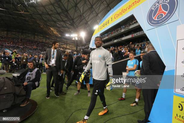 Steve Mandanda of Olympique Marseille during the Ligue 1cmatch between Olympique Marseille and Paris Saint Germain at Orange Velodrome on October 22...