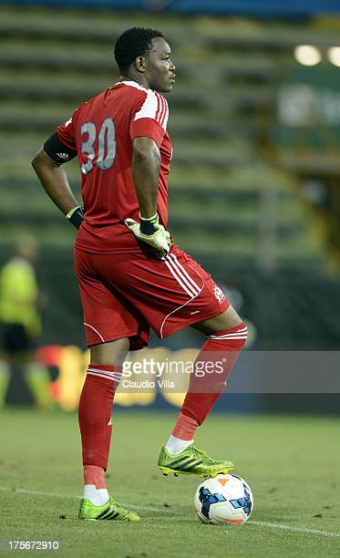 Steve Mandanda of Olympique Marseille in action during the preseason friendly match between Parma FC and Olympique Marseille at Stadio Ennio Tardini...