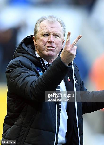 Steve McClaren manager / head coach of Derby County during the Sky Bet Championship match between Wolverhampton Wanderers and Derby County at...