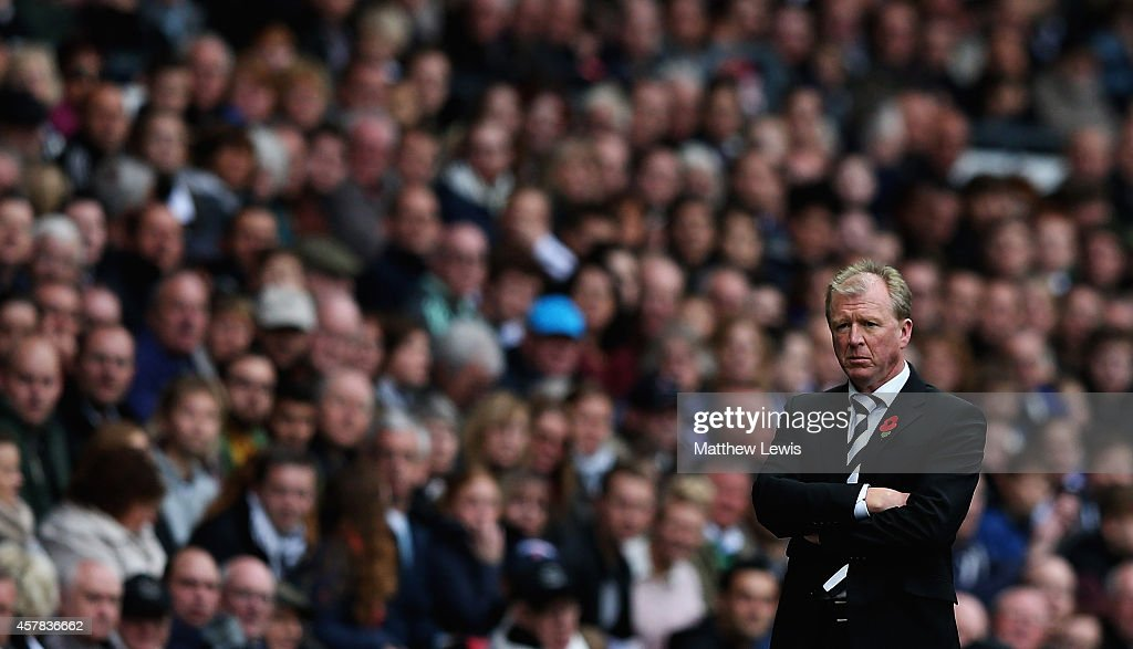 Steve McClaren, manager of Derby County looks on during the Sky Bet Championship match between Derby County and Wigan Athletic at the iPro Stadium on October 25, 2014 in Derby, England.