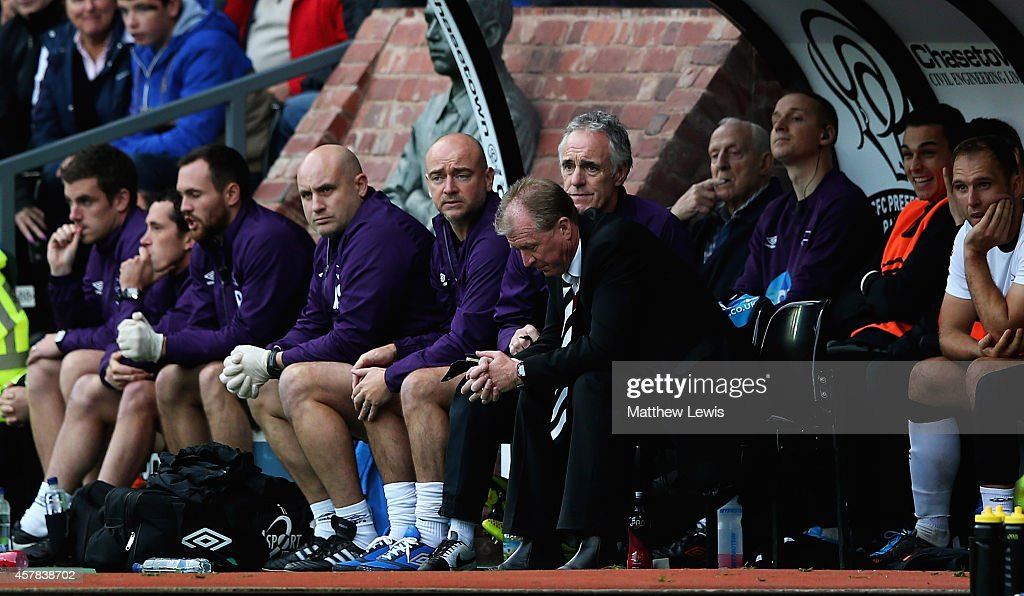 Steve McClaren, manager of Derby County looks on from the bench during the Sky Bet Championship match between Derby County and Wigan Athletic at the iPro Stadium on October 25, 2014 in Derby, England.