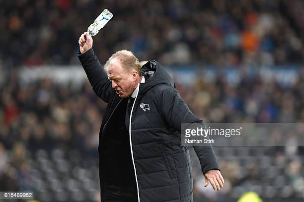 Steve McClaren manager of Derby County throws a bottle on the floor during the Sky Bet Championship match between Derby County and Brentford at iPro...