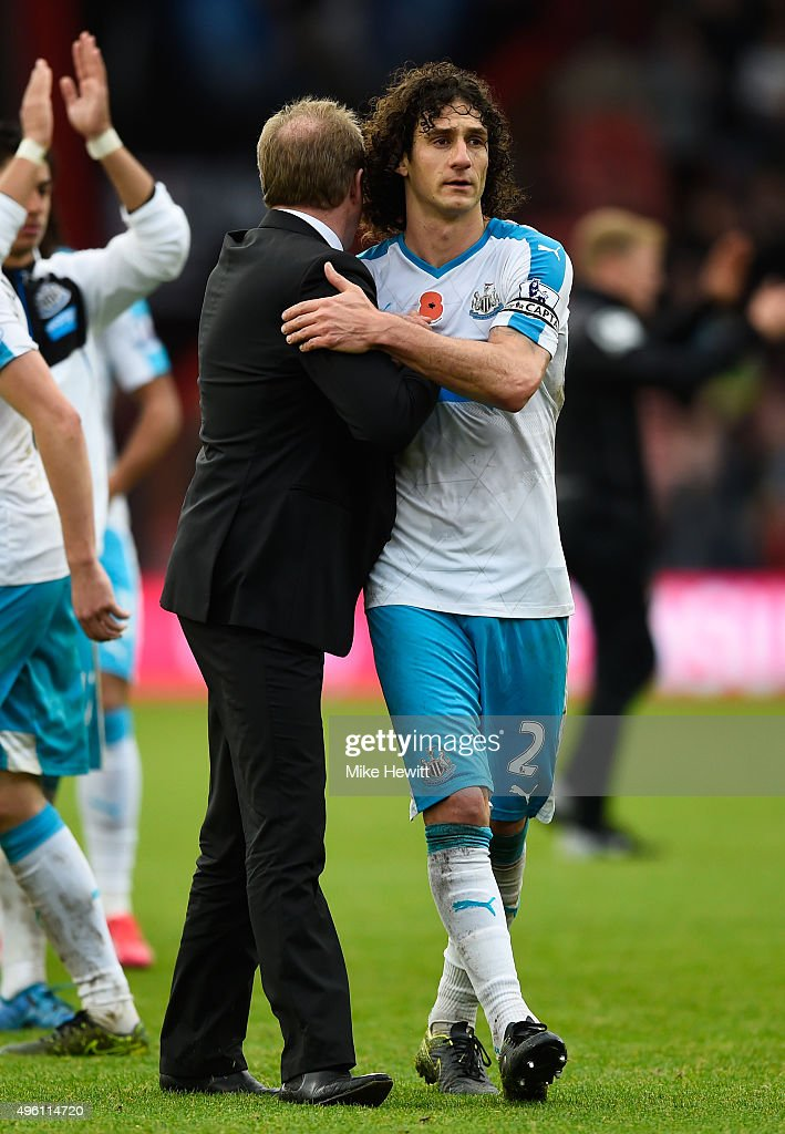 Steve McClaren manager of Newcastle United celebrates with Fabricio Coloccini after their 1-0 win in the Barclays Premier League match between A.F.C. Bournemouth and Newcastle United at Vitality Stadium on November 7, 2015 in Bournemouth, England.