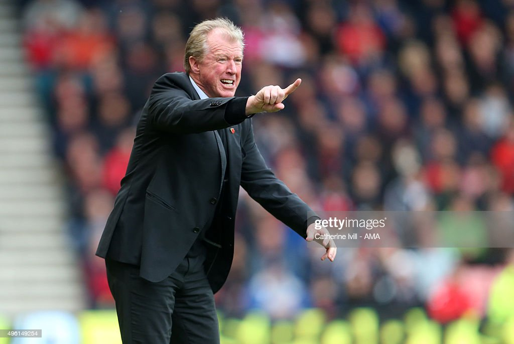 Steve McClaren manager of Newcastle United during the Barclays Premier League match between AFC Bournemouth and Newcastle United at Vitality Stadium on November 7, 2015 in Bournemouth, England.