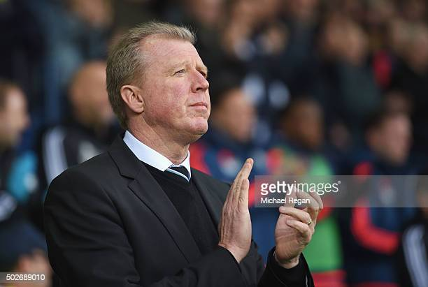 Steve McClaren manager of Newcastle United looks on prior to the Barclays Premier League match between West Bromwich Albion and Newcastle United at...