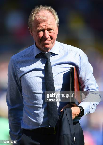 Steve McClaren manager of Queens Park Rangers looks on during the Sky Bet Championship match between Birmingham City and Queens Park Rangers at St...