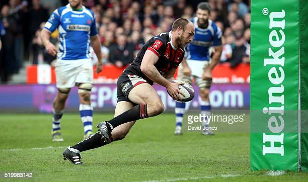 Steve McColl of Gloucester Rugby scores a try against Newport Gwent Dragons during the European Rugby Challenge Cup match between Gloucester Rugby...