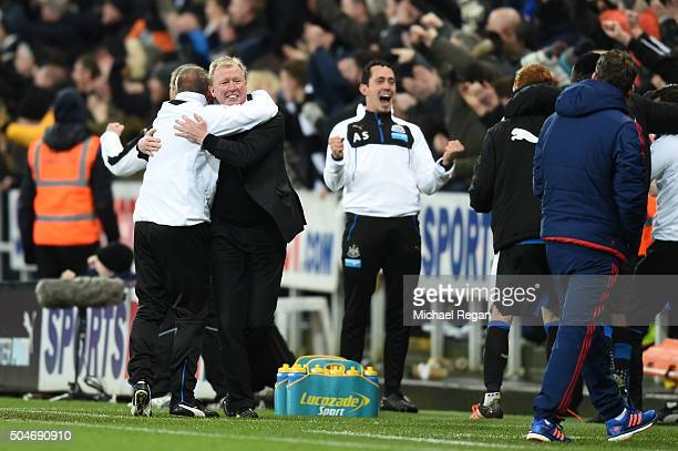 Steve McLaren manager of Newcastle United celebrates with assistant Paul Simpson during the Barclays Premier League match between Newcastle United...
