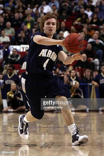 Steve McNees of the Akron Zips passes the ball against the Gonzaga Bulldogs in the first half during the first round of the NCAA Division I Men's...
