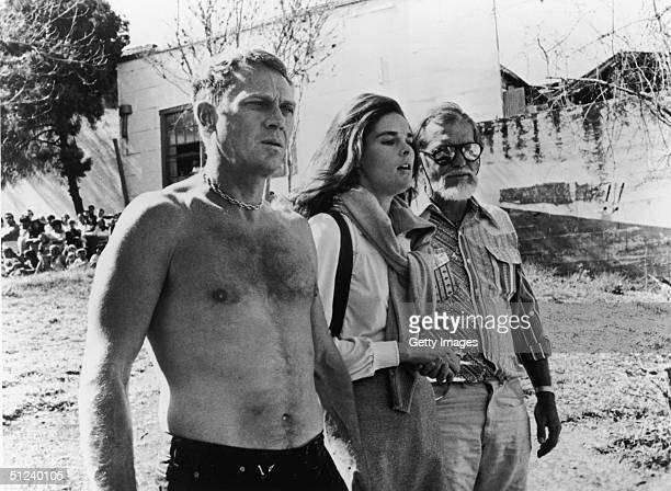 1972 Steve McQueen and Ali MacGraw with director Sam Peckinpah on the set of Peckinpah's film 'The Getaway'