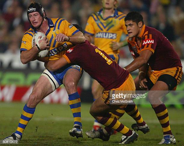 Steve Menzies of City in action during the NRL City against Country match played at Express Advocate Stadium May 7 2004 in Gosford Australia