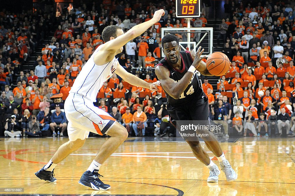 Harvard v Virginia : News Photo