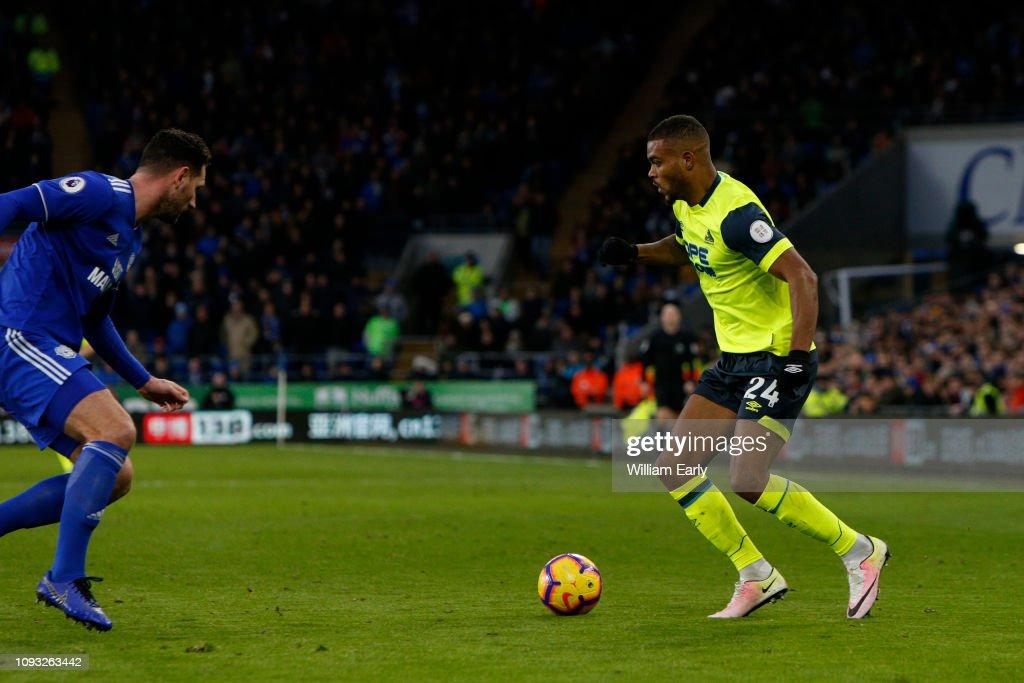 Cardiff City v Huddersfield Town - Premier League : News Photo