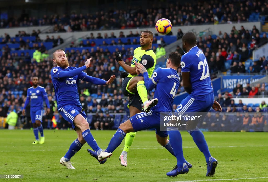 Cardiff City v Huddersfield Town - Premier League : News Photo