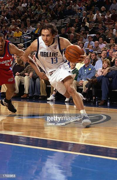 Steve Nash of the Dallas Mavericks drives to the basket during the NBA game against the Los Angeles Clippers at American Airlines Center on December...