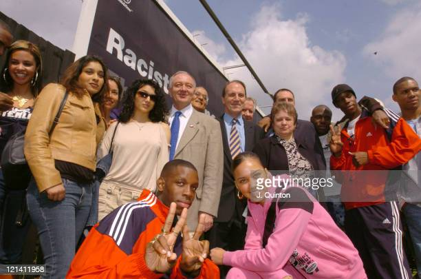 Steve Norris Ken Livingstone and Simon Hughes with members of So Solid Crew