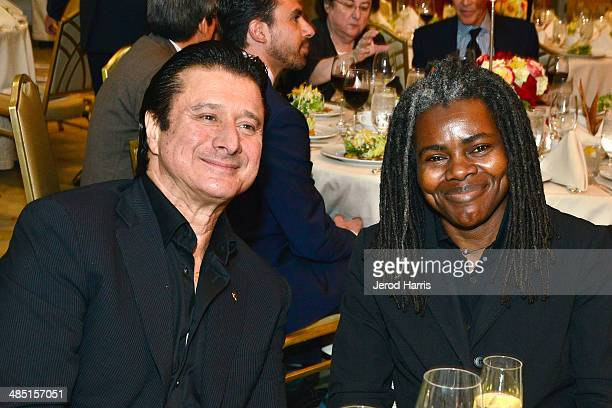 Steve Perry and Tracy Chapman attend the Beverly Hills Bar Association's Entertainment Lawyer of the Year Dinner at Beverly Hills Hotel on April 16,...