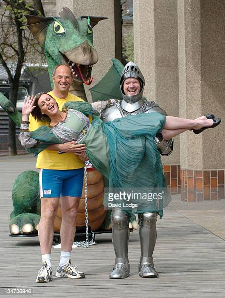 Steve Redgrave Suranne Jones and Lloyd Scott during London Flora Marathon Celebity Photocall April 21 2006 at The Thistle Tower in London Great...