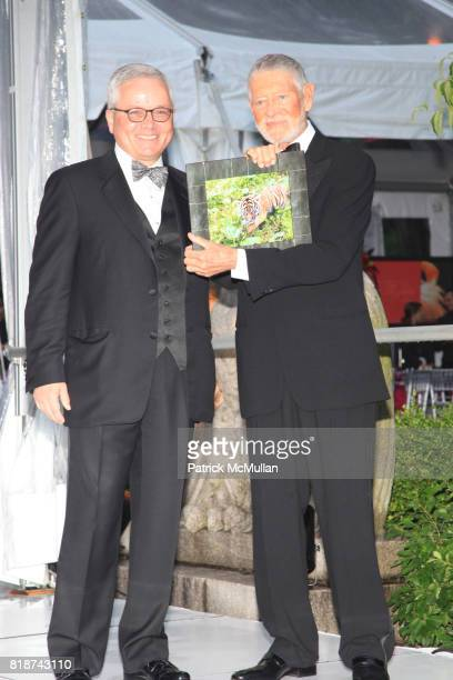 Steve Sanderson and Art Ortenberg attend Wildlife Conservation Society Spring 2010 Gala Flight of Fancy at Central Park Zoo on June 10 2010 in New...