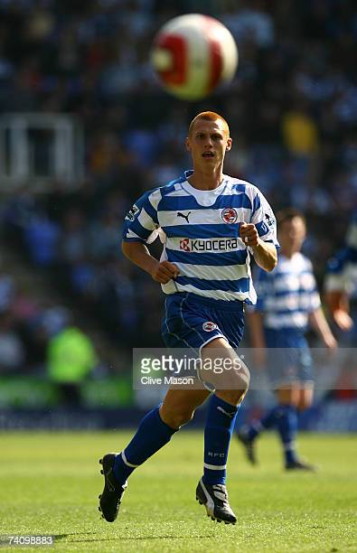 Steve Sidwell of Reading in action during the Barclays Premiership match between Reading and Watford at the Madejski Stadium on May 5 in Reading,...