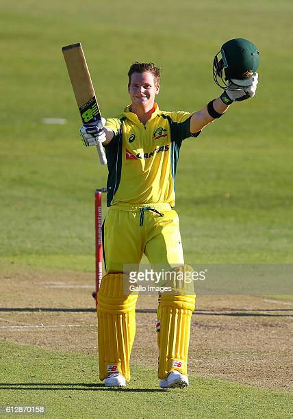 Steve Smith gets his 100 during the 3rd Momentum ODI Series match between South Africa and Australia at Sahara Stadium Kingsmead on October 05 2016...
