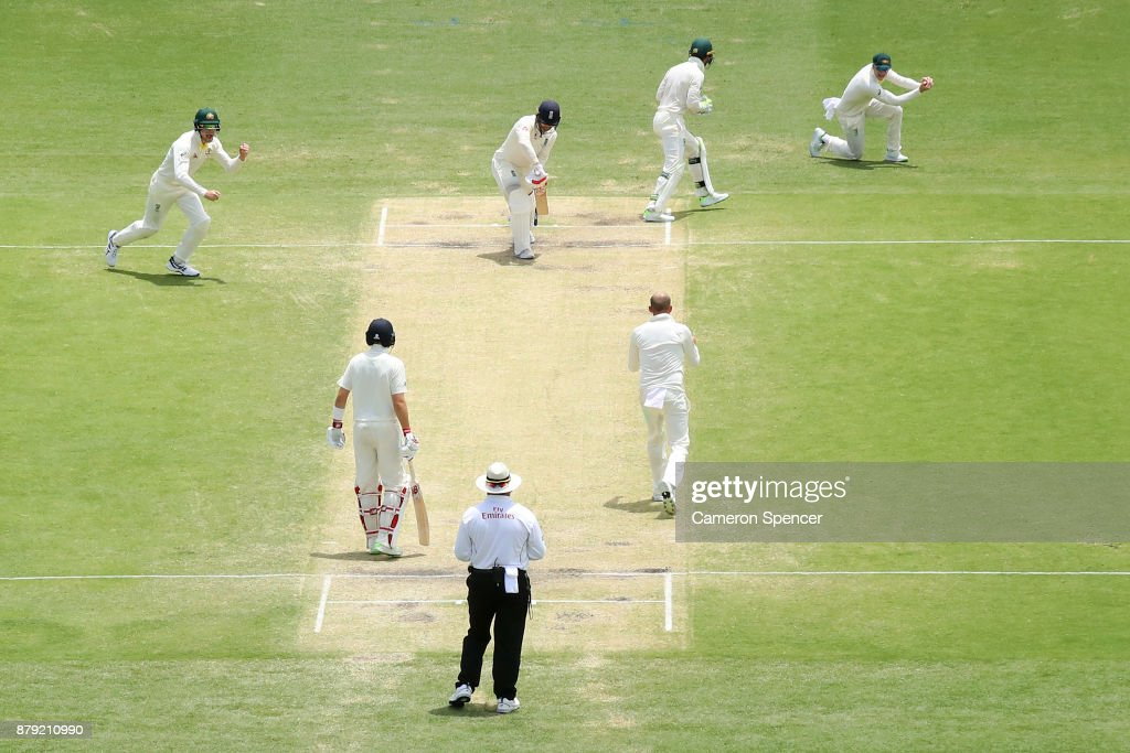 Australia v England - First Test: Day 4 : News Photo