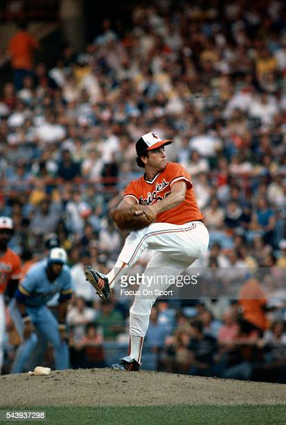 Steve Stone of the Baltimore Orioles pitches against the Milwaukee Brewers during an Major League Baseball game circa 1980 at Memorial Stadium in...
