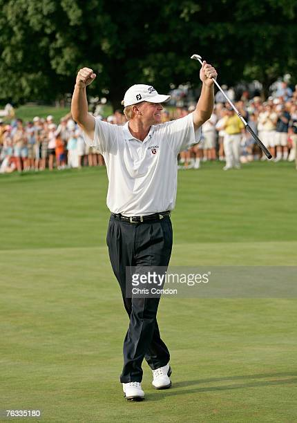 Steve Stricker celebrates on the 18th green after making a birdie to win The Barclays held at Westchester Country Club August 26 2007 in Harrison New...