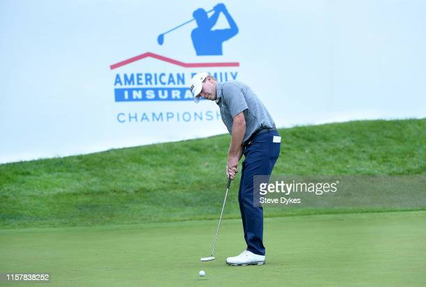 Steve Stricker misses a putt that would have won the tournament on the 18th green during the final round of the American Family Insurance...