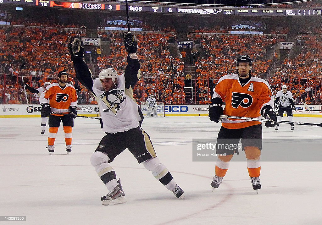 Pittsburgh Penguins v Philadelphia Flyers - Game Four : Fotografía de noticias