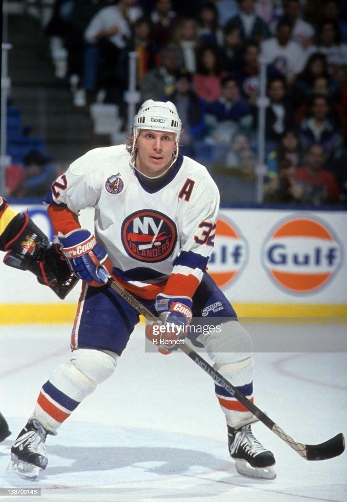 Vancouver Canucks v New York Islanders : News Photo
