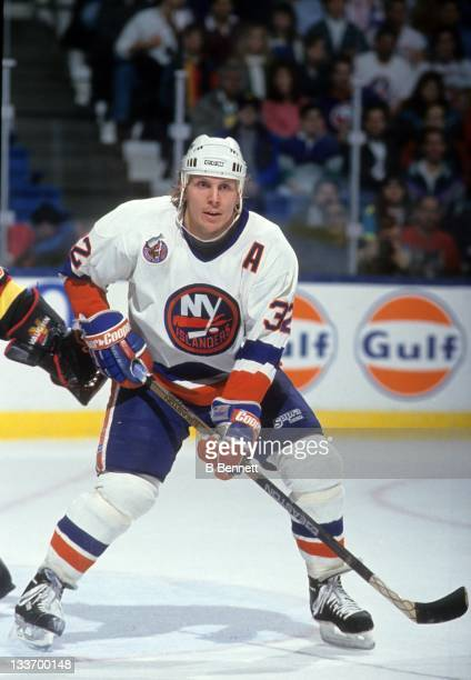 Steve Thomas of the New York Islanders skates on the ice during an NHL game against the Vancouver Canucks on January 9 1993 at the Nassau Coliseum in...