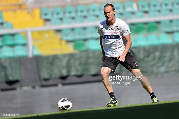 Steve Von Bergen in action during a Palermo training session at Stadio Renzo Barbera on April 18 2013 in Palermo Italy