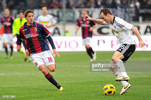 Steve Von Bergen of Cesena competes with Gaston Ramirez of Bologna during the Serie A match between Cesena and Bologna at Dino Manuzzi Stadium on...