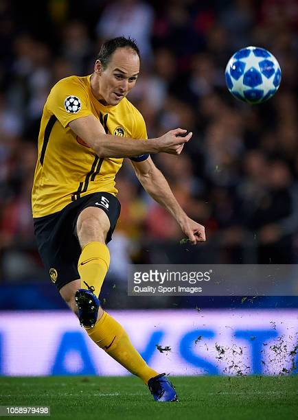 Steve Von Bergen of Young Boys in action during the Group H match of the UEFA Champions League between Valencia and BSC Young Boys at Estadio...