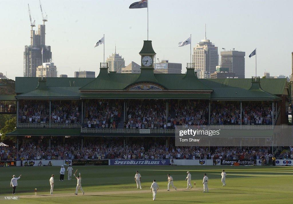 Steve Waugh of Australia celebrates 100 : News Photo