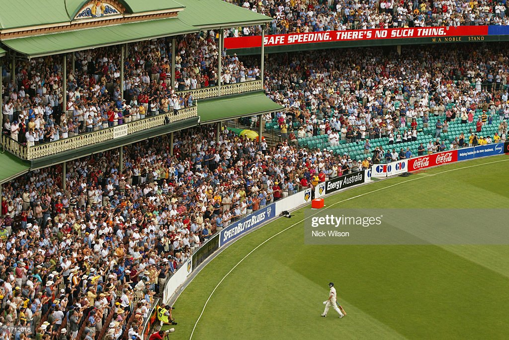 Steve Waugh leaves the SCG : News Photo